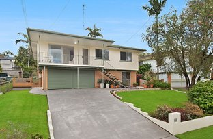 Picture of 74 Valentia Street, Mansfield QLD 4122