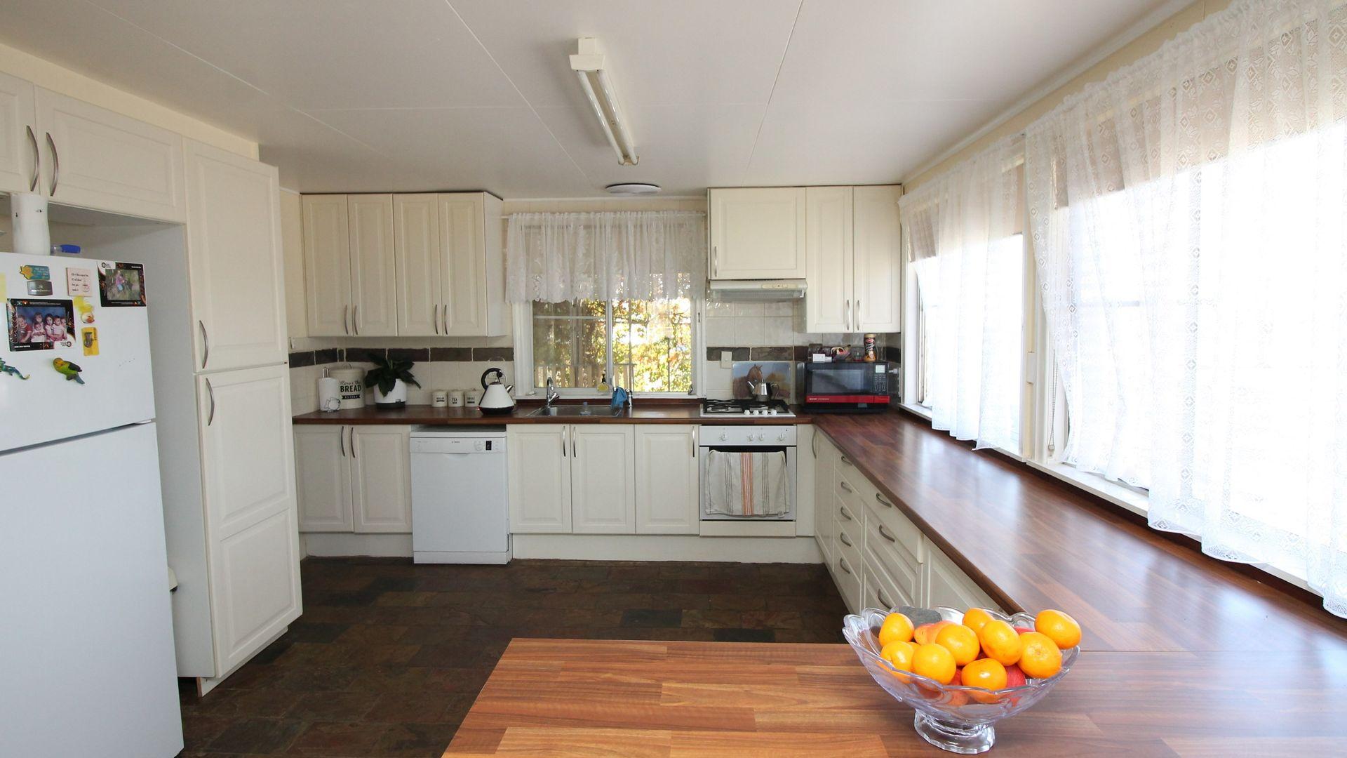 22 Crothers Rd, Warwick QLD 4370, Image 2