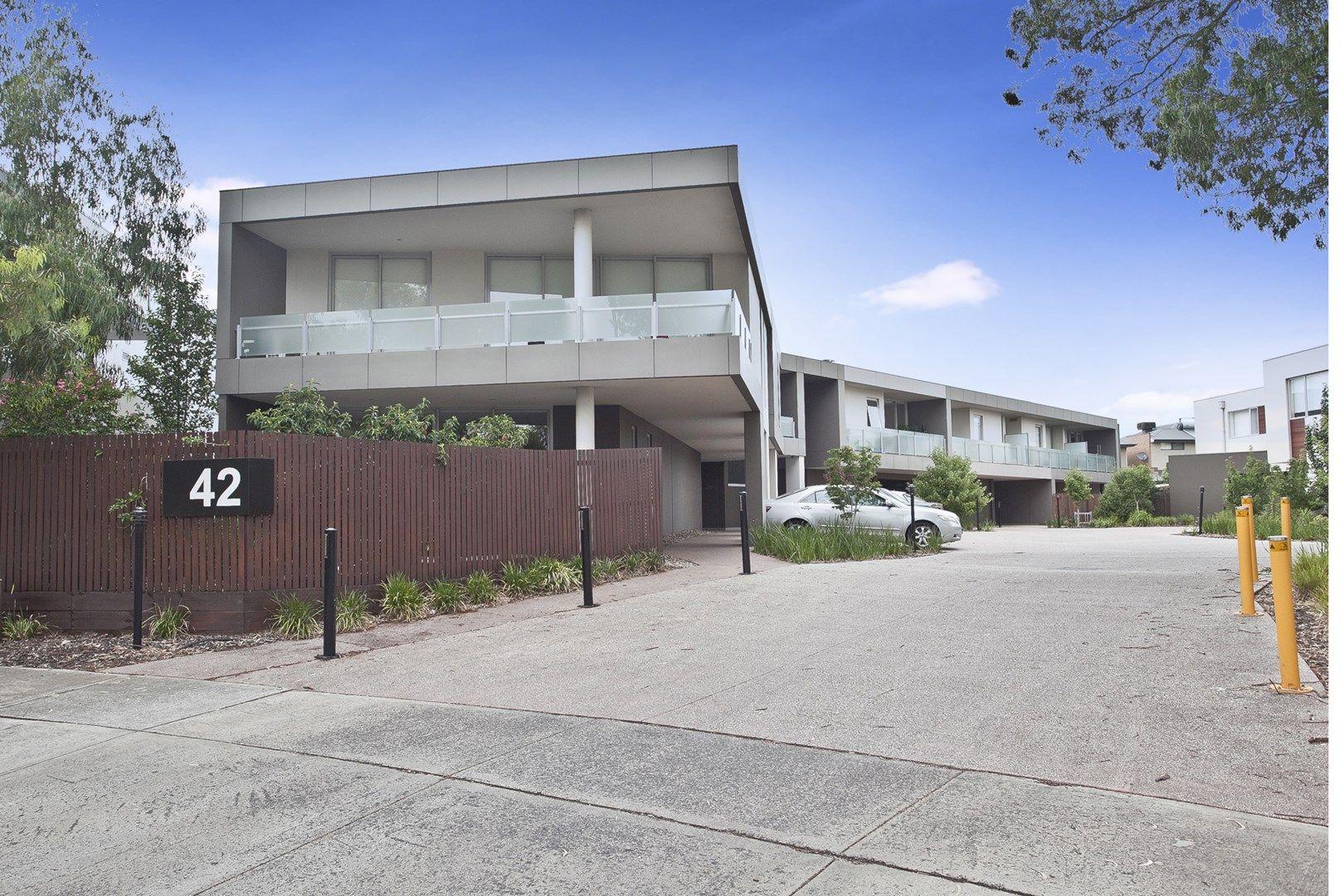 2/42 Eucalyptus Drive, Maidstone VIC 3012, Image 0