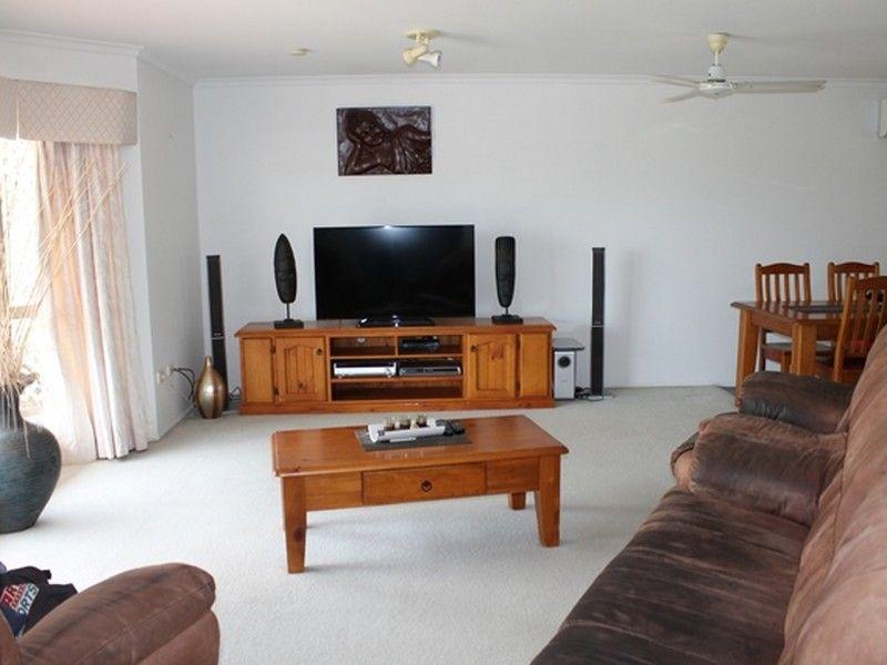 38 Lomandra Street, Boyne Island QLD 4680, Image 2