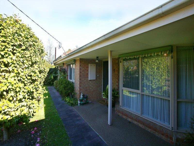 2/10 Garden Avenue, Mitcham VIC 3132, Image 1