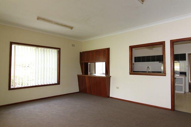 30 Walton Street, Blakehurst NSW 2221, Image 2
