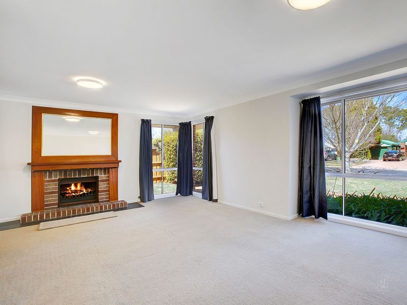 6 Lilac Avenue, Bowral NSW 2576, Image 1