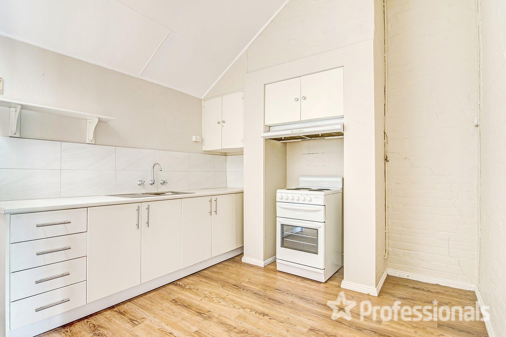 24 Rankin Street, Bathurst NSW 2795, Image 2