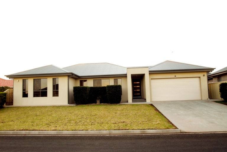7 Angela Place, Griffith NSW 2680, Image 0
