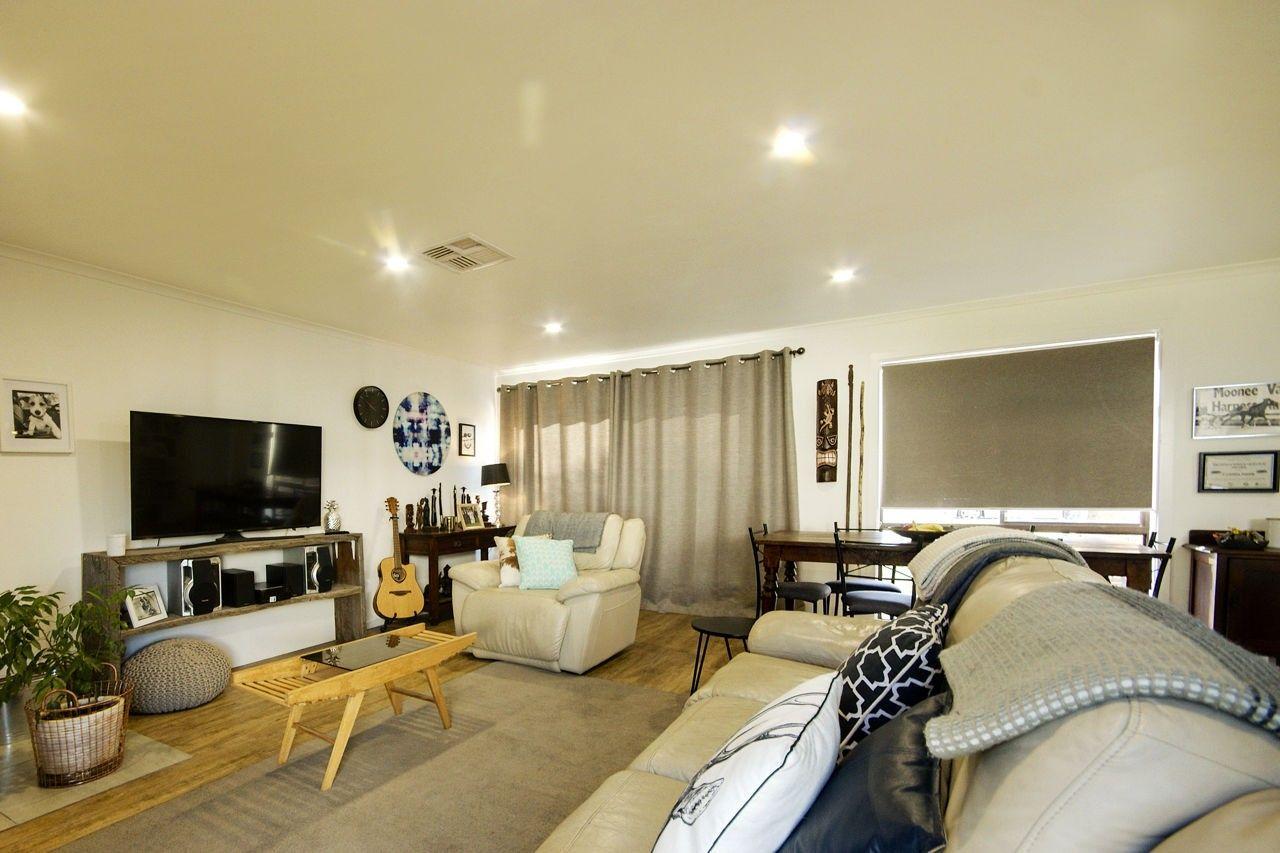 116 Wyatt Street, Deniliquin NSW 2710, Image 2