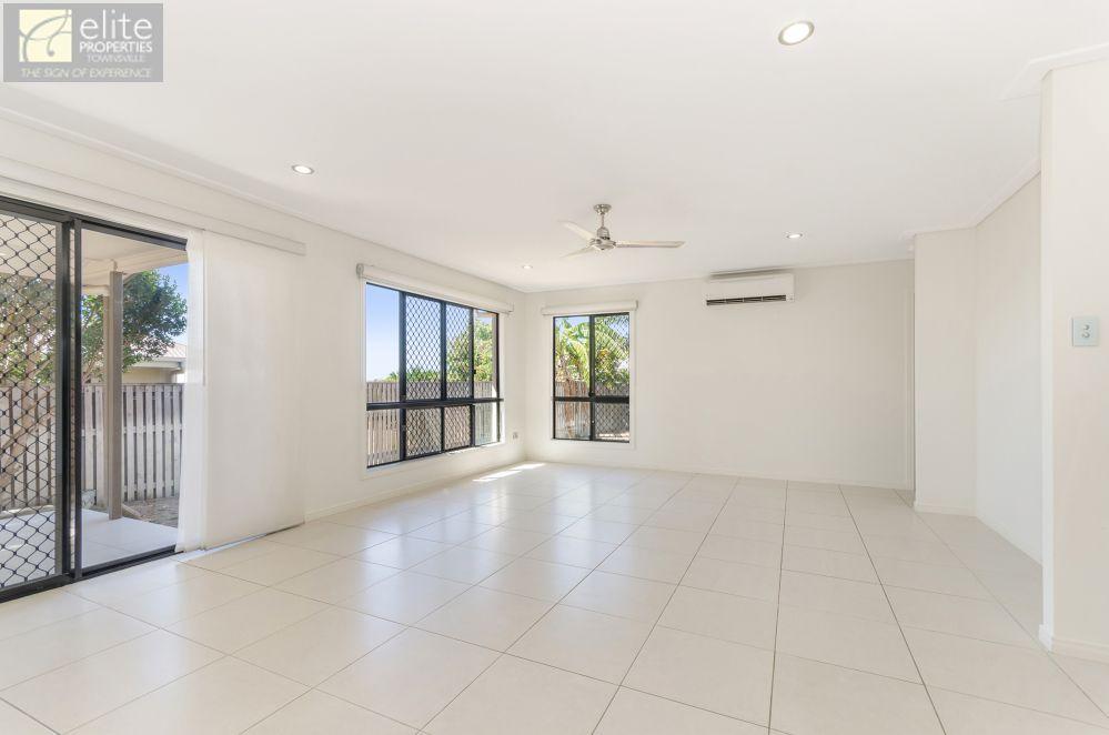 65 Hillock Crescent, Bushland Beach QLD 4818, Image 2
