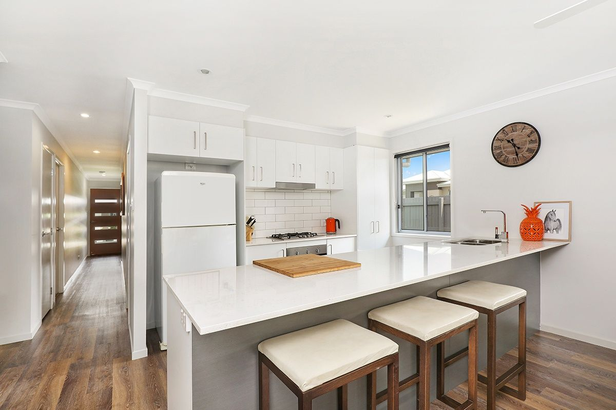 6 Burgundy Court, Caloundra West QLD 4551, Image 2