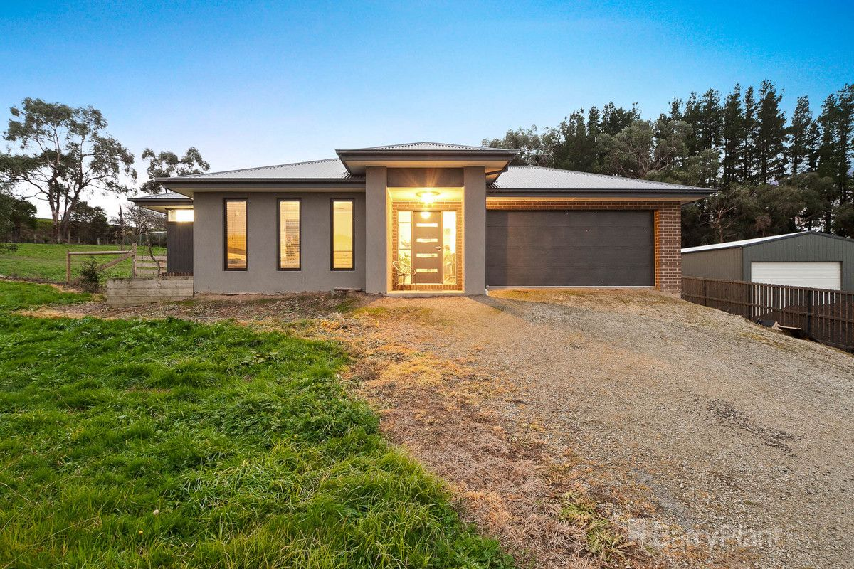 11 Drovers Close, Drouin VIC 3818, Image 0