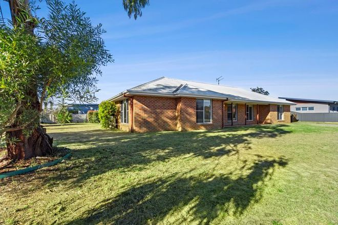Picture of 2 Hedley Way, BROULEE NSW 2537