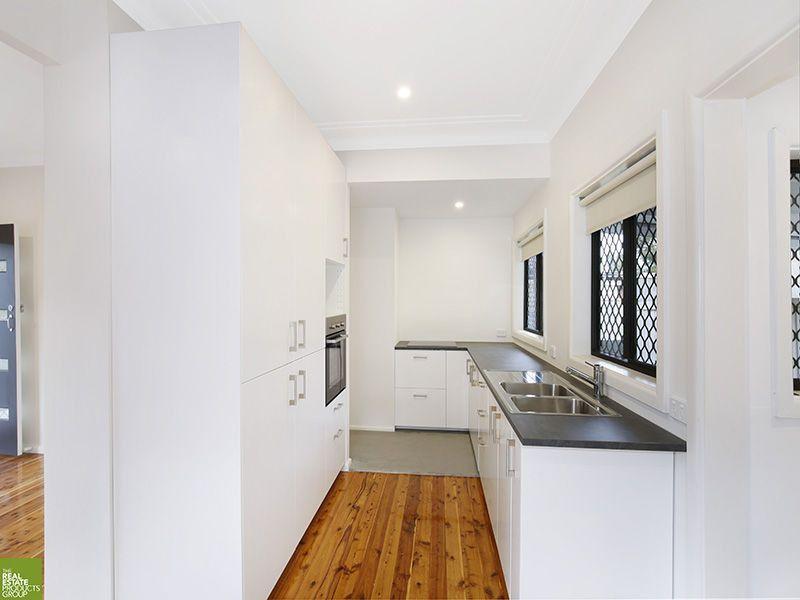 7 Leigh Crescent, Unanderra NSW 2526, Image 0