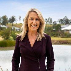 Cindy Cash, LREA & Sales Executive