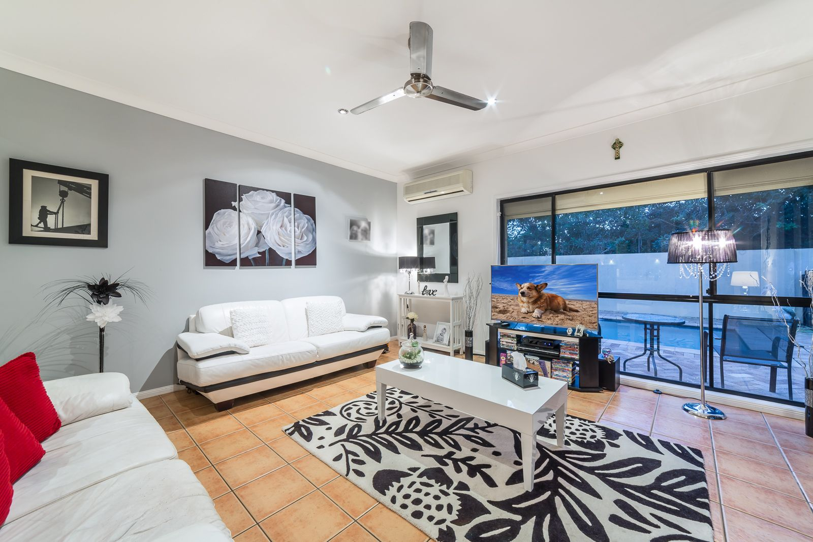 7 Wisemans Court, Helensvale QLD 4212, Image 2