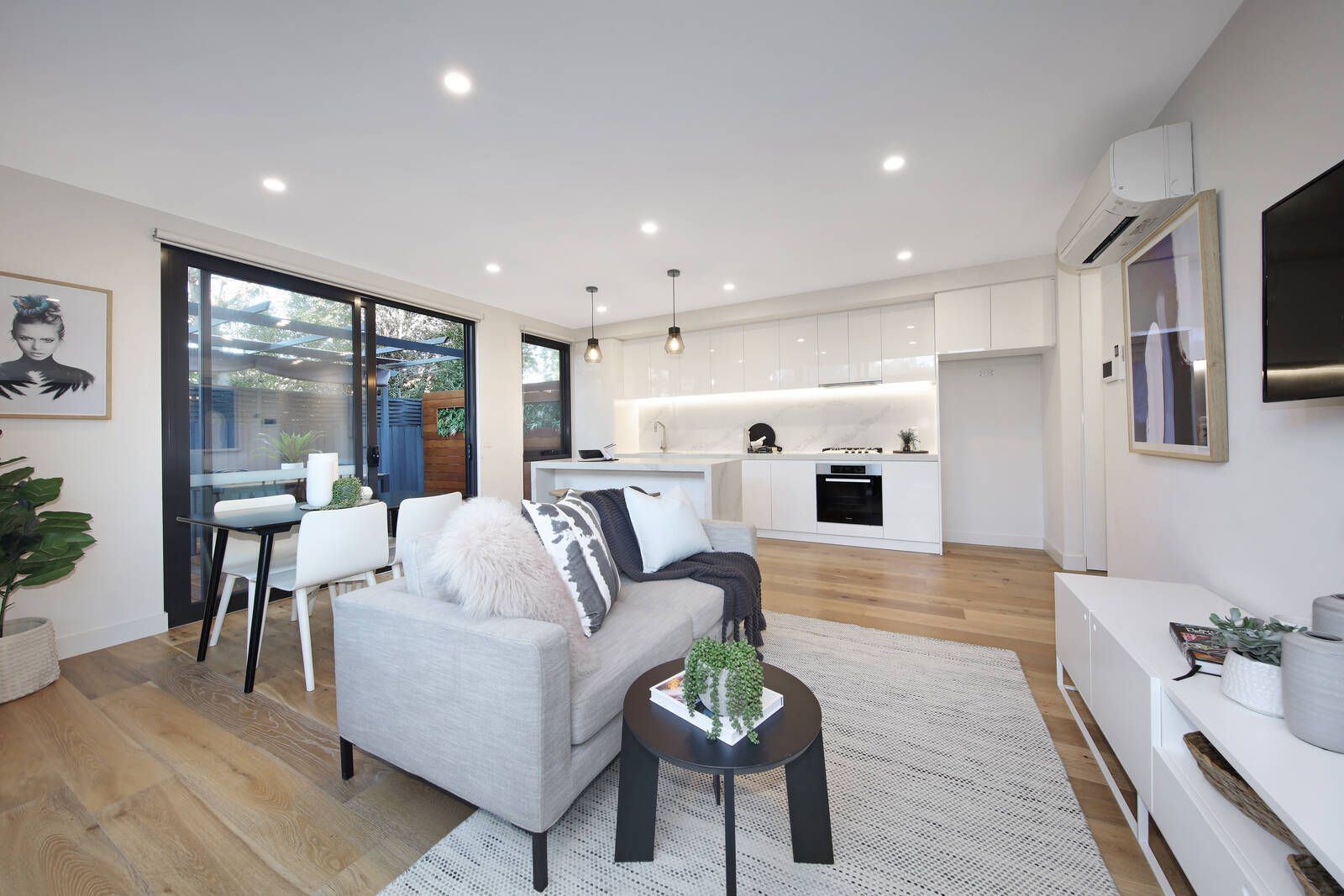 4/14 Quinns Road, Bentleigh East VIC 3165, Image 2