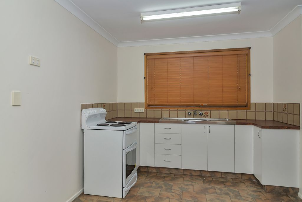 13/1 Whichello Street, Newtown QLD 4350, Image 2