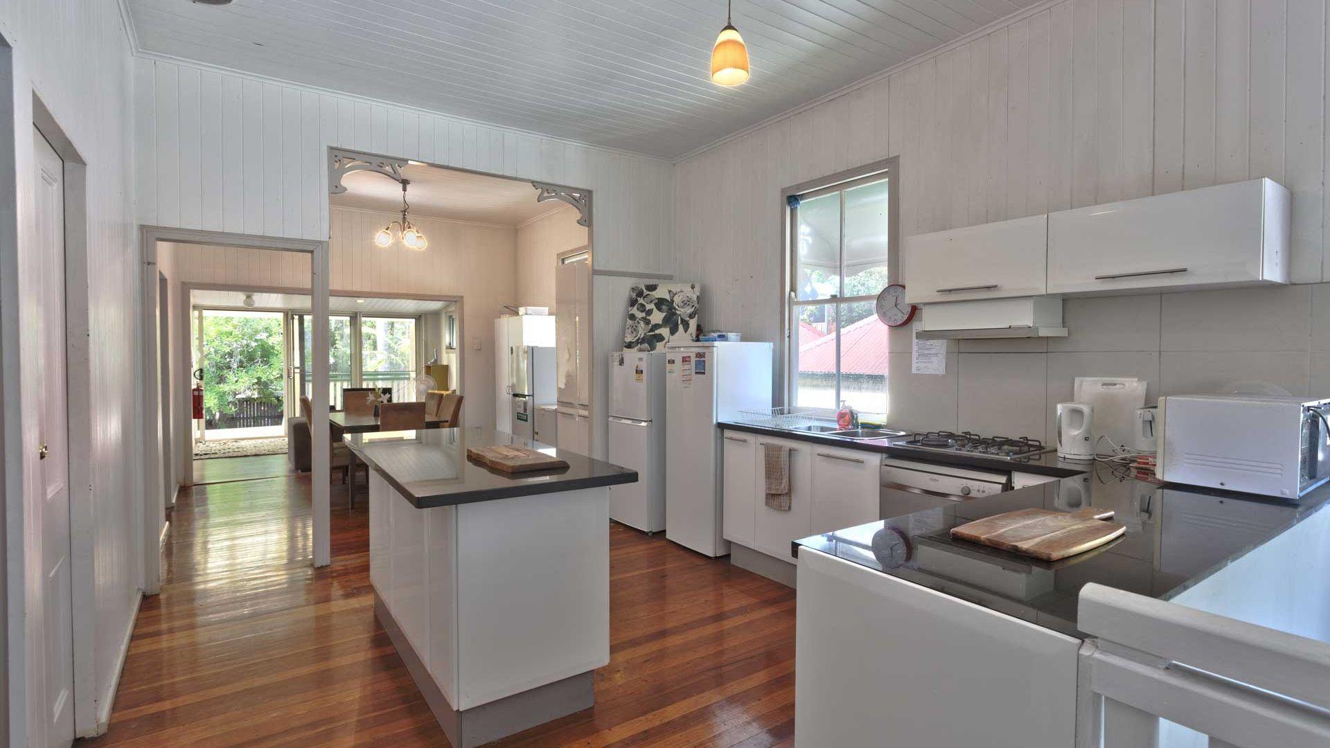 30 Flower Street, Woolloongabba QLD 4102, Image 1