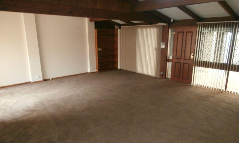 17 Marlee Court, West Lakes SA 5021, Image 2