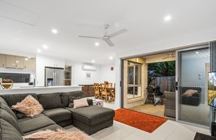 Picture of 2/30 Taylor Place, Mackenzie QLD 4156