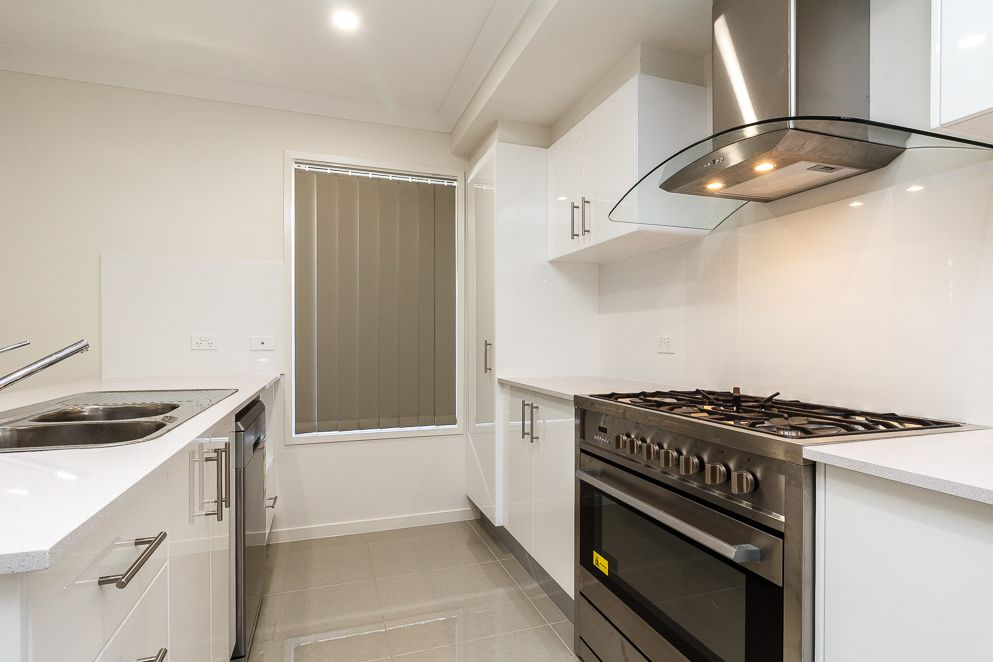 27 Haven Drive, Holmview QLD 4207, Image 1