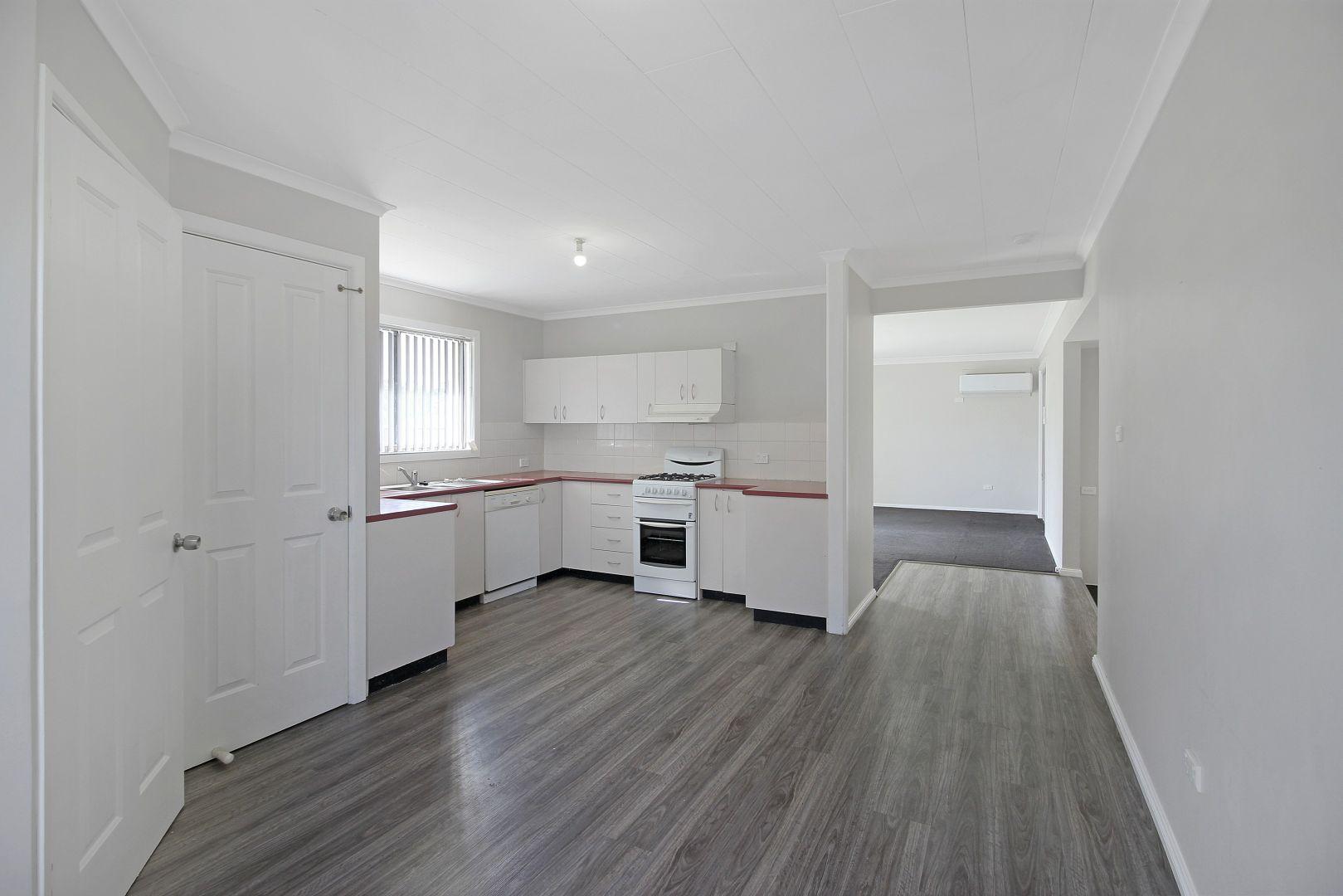 109 Ashmont Avenue, Ashmont NSW 2650, Image 2