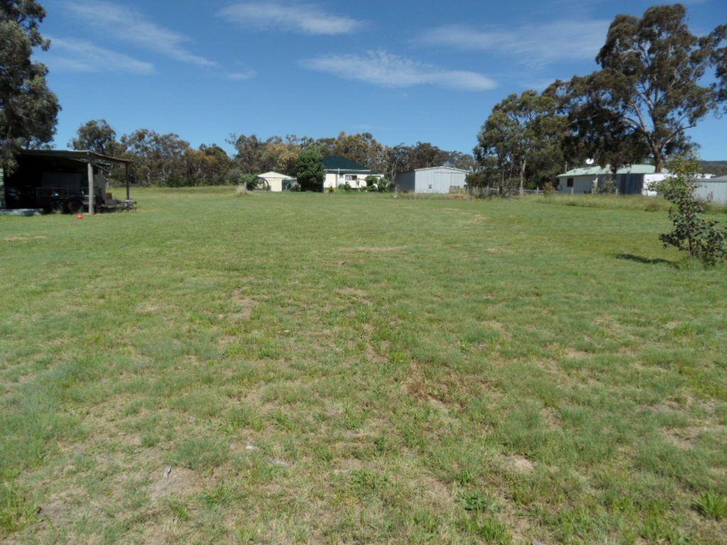 29 Wallace Court, Glen Aplin QLD 4381, Image 2