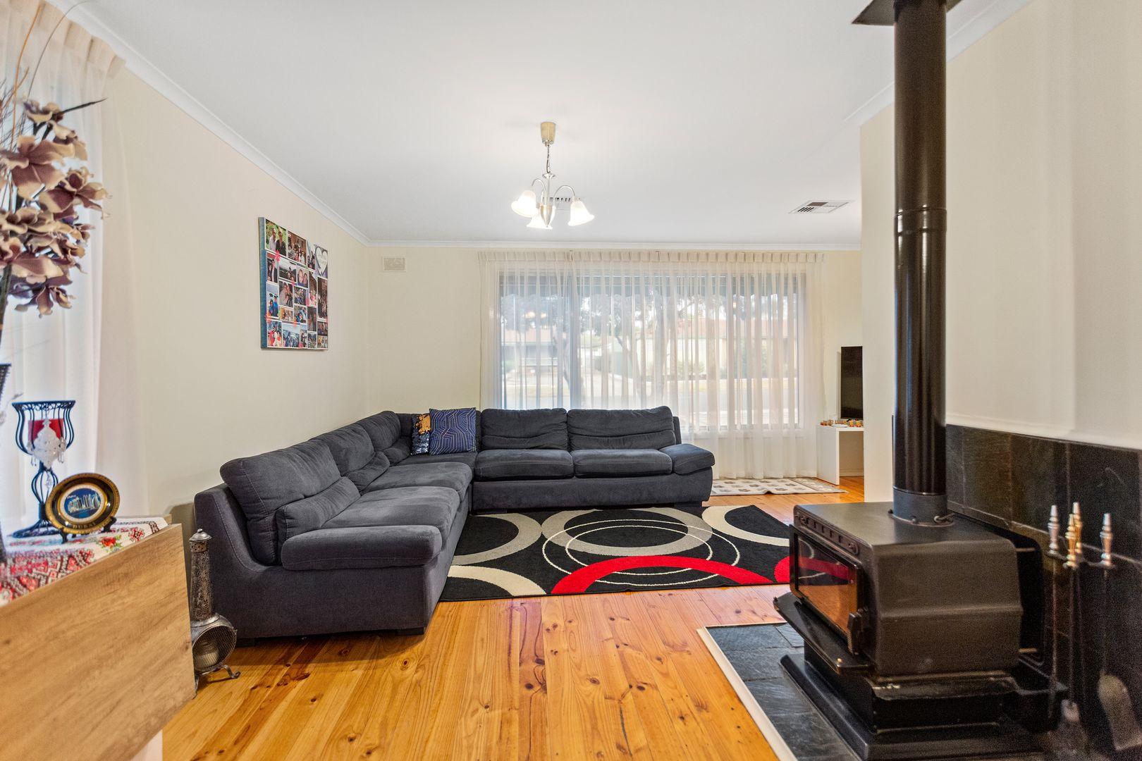 14 Osmond Street, Elizabeth Downs SA 5113, Image 2
