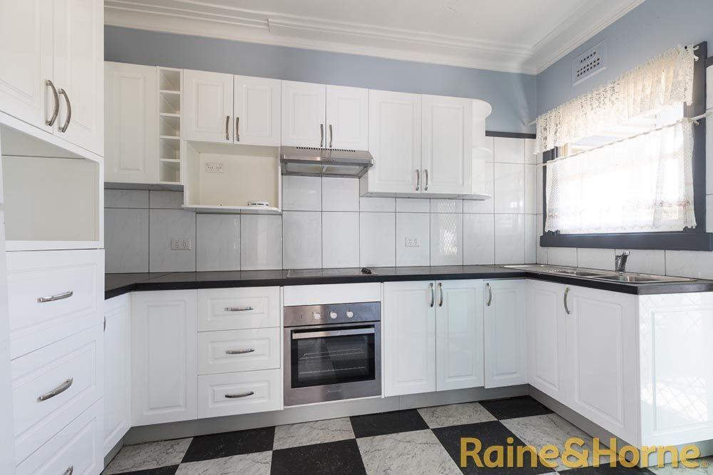 86 Victoria Street, Dubbo NSW 2830, Image 1