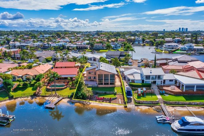 Picture of 37 Selkirk Avenue, BENOWA WATERS QLD 4217