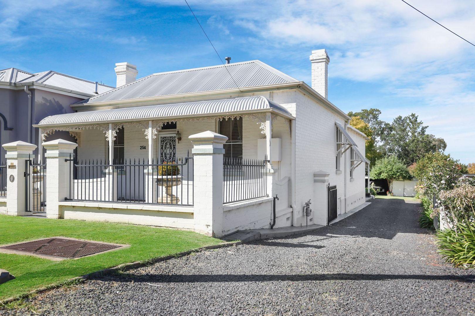 254 Peel Street, Bathurst NSW 2795