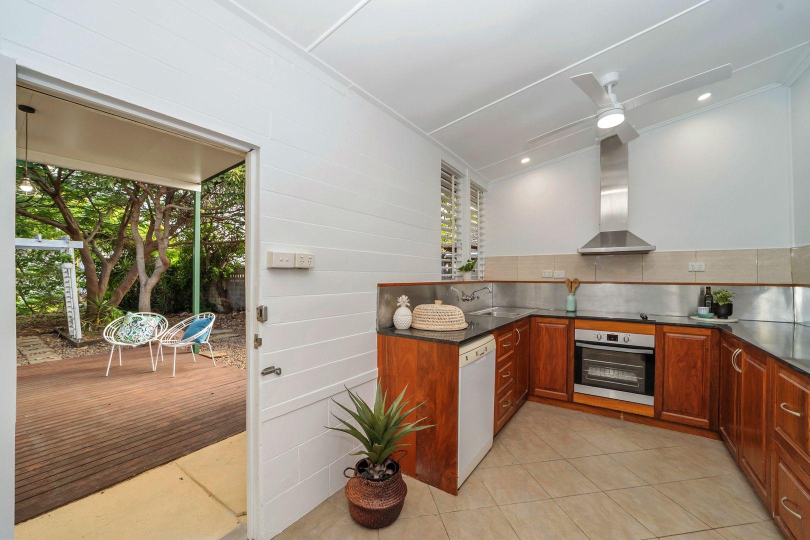 10 Lamington Road, West End QLD 4810, Image 2