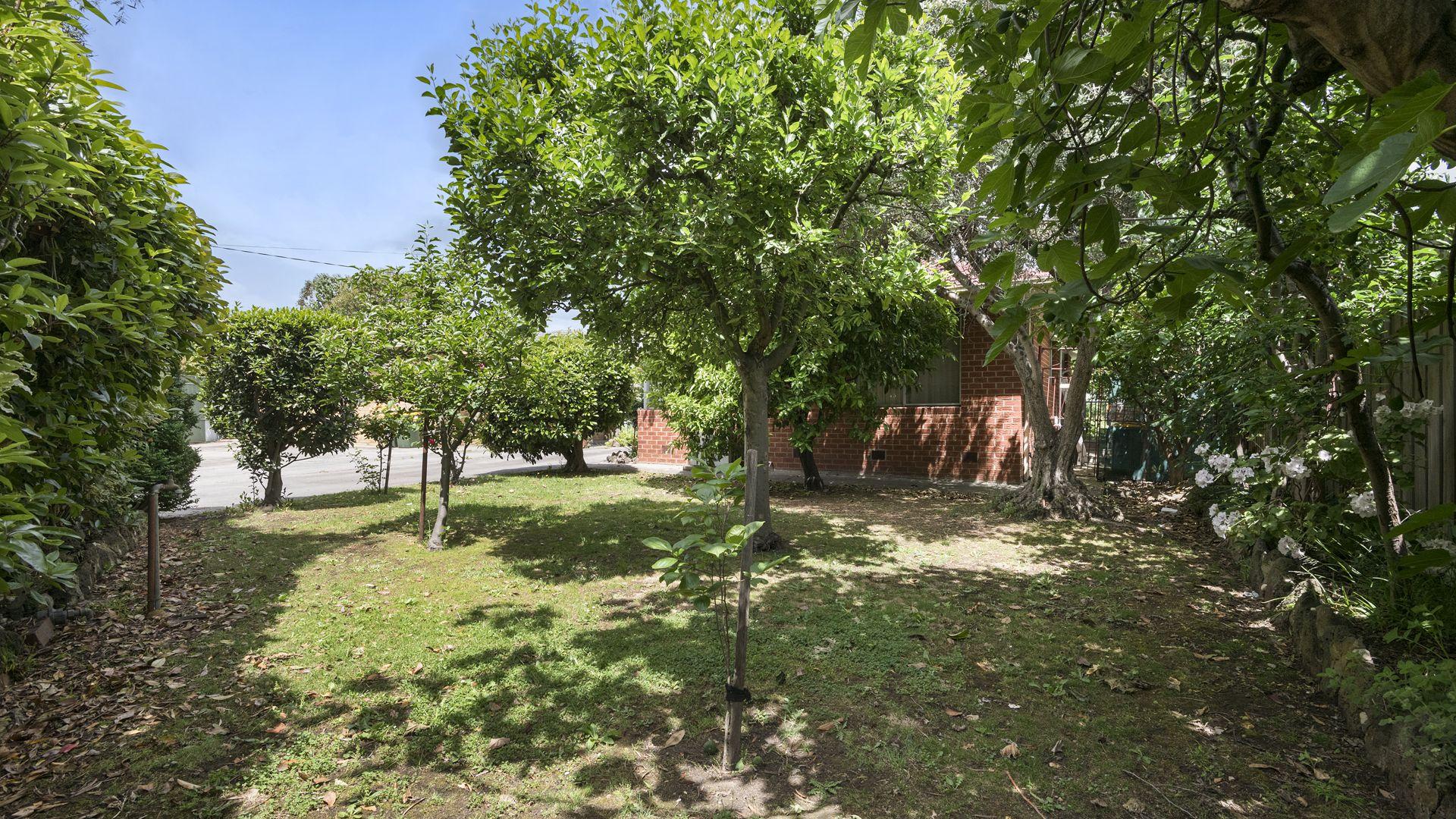 5 Alfa Court, Lalor VIC 3075, Image 2