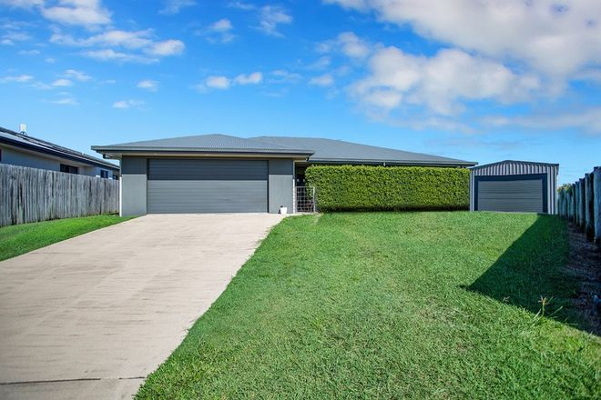 Picture of 9 Hook Court, SARINA QLD 4737