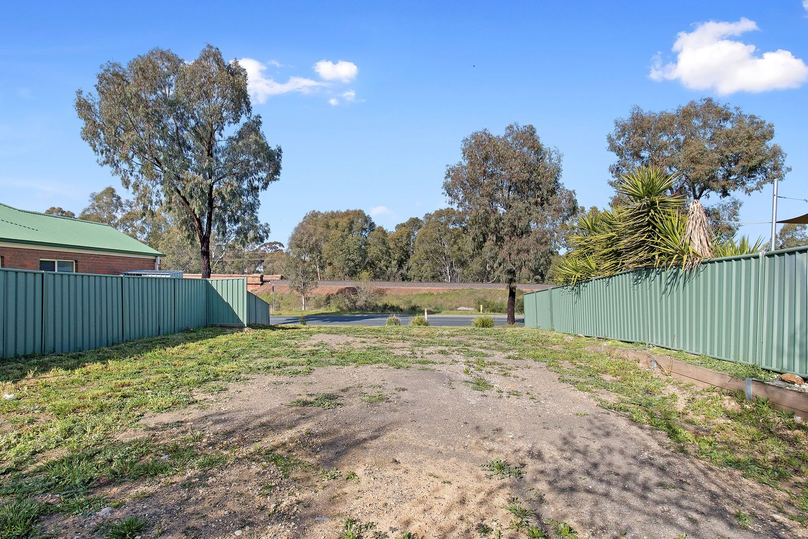 41 Railway Street, Kangaroo Flat VIC 3555, Image 2