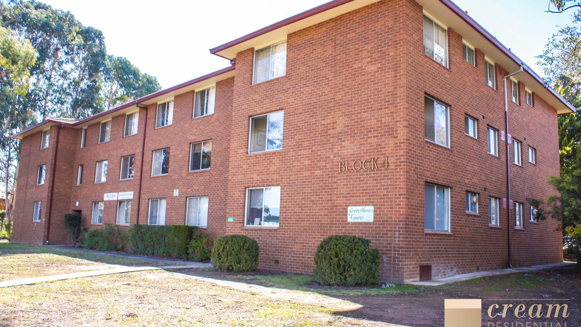 72/27 Coxen Street, Hughes ACT 2605, Image 2
