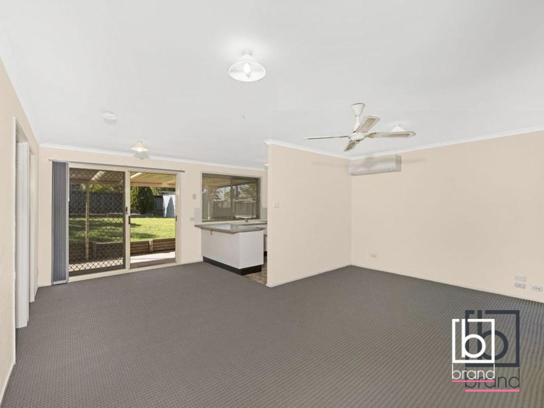 16 Rosella Circuit, Blue Haven NSW 2262, Image 2
