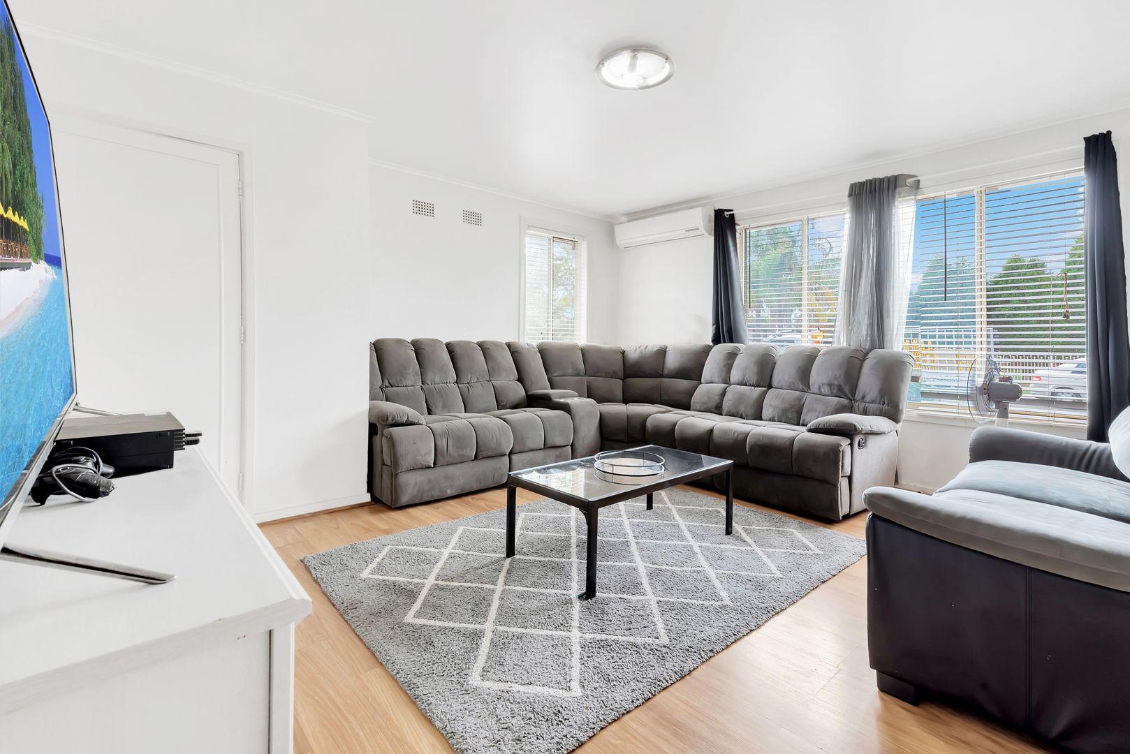 15 Tumbarumba Crescent, Heckenberg NSW 2168, Image 1