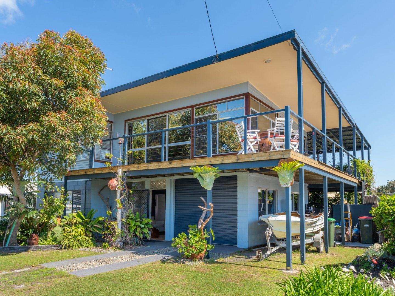 2 Heath Street, Brooms Head NSW 2463, Image 0