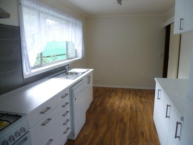 12 Blannin Street, Healesville VIC 3777, Image 2