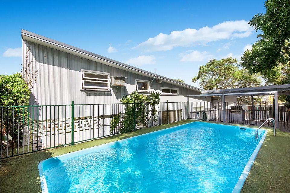 12 Bridgeview Crescent, Forestville NSW 2087, Image 2