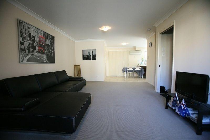 28 Coora Street, Wishart QLD 4122, Image 2