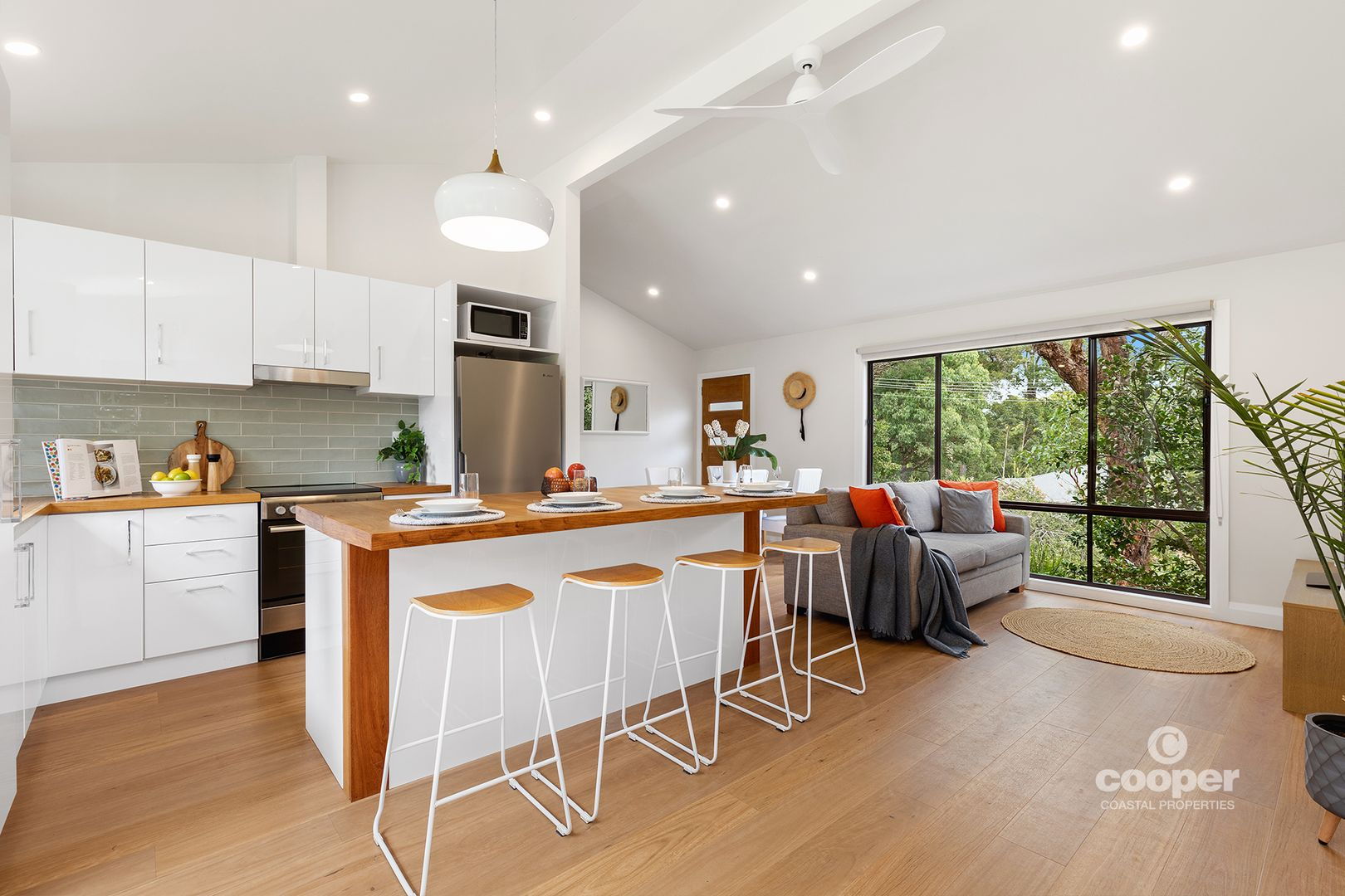 4 Bushland Avenue, Mollymook NSW 2539, Image 0