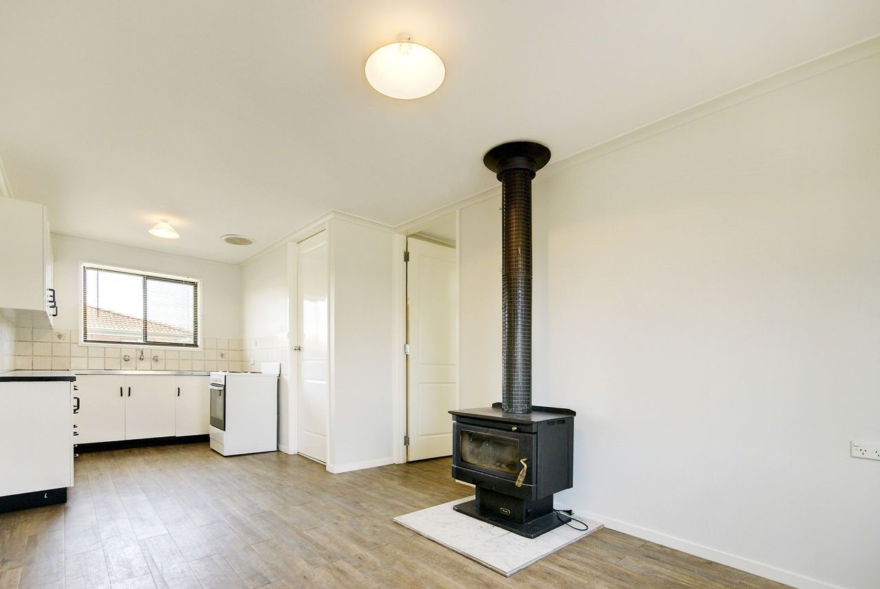6 Ballantyne Crescent, Deniliquin NSW 2710, Image 1
