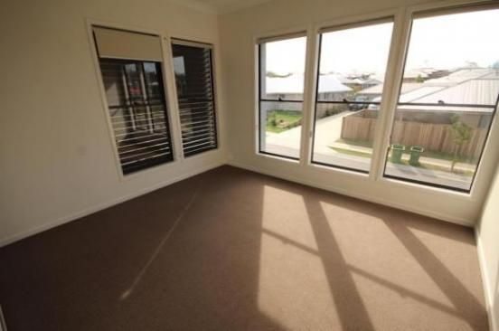35 Acacia Lane, Ripley QLD 4306, Image 2