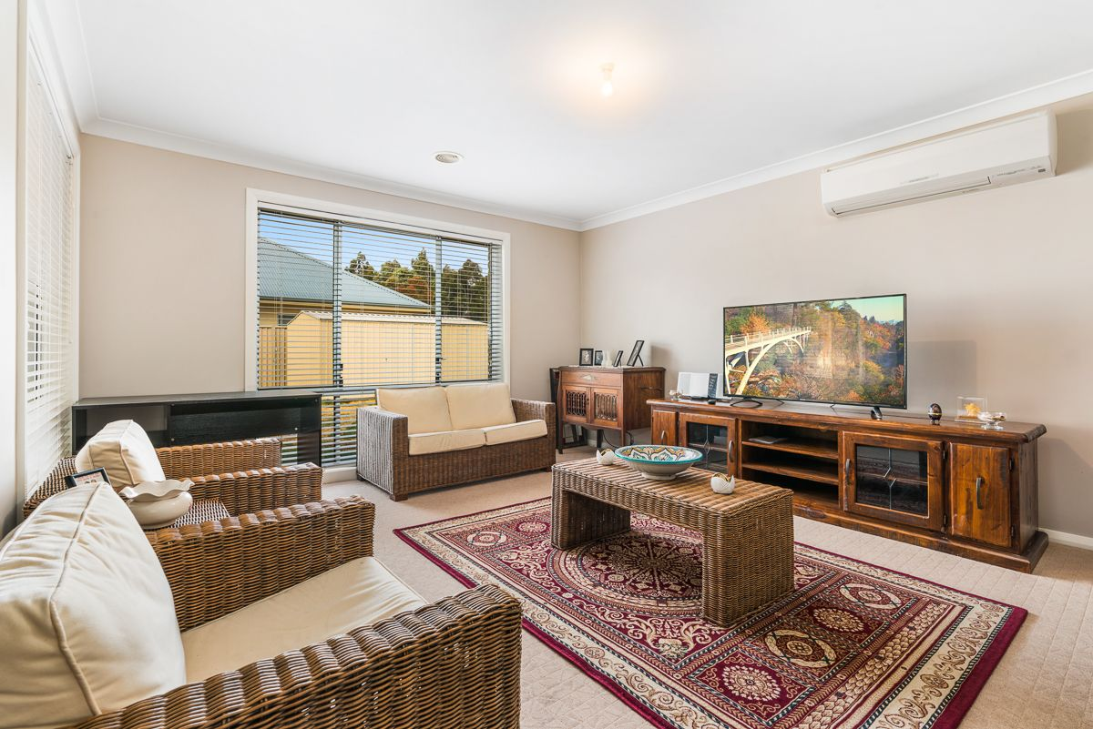 9 Brooklands Drive, Orange NSW 2800, Image 2