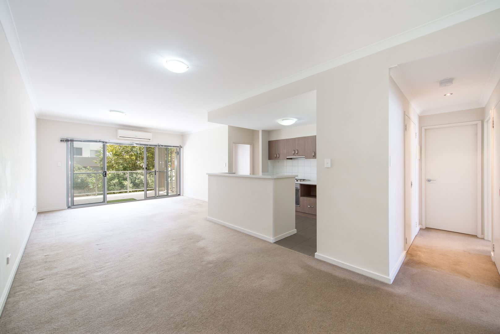 4/9 Ibera Way, Success WA 6164, Image 2
