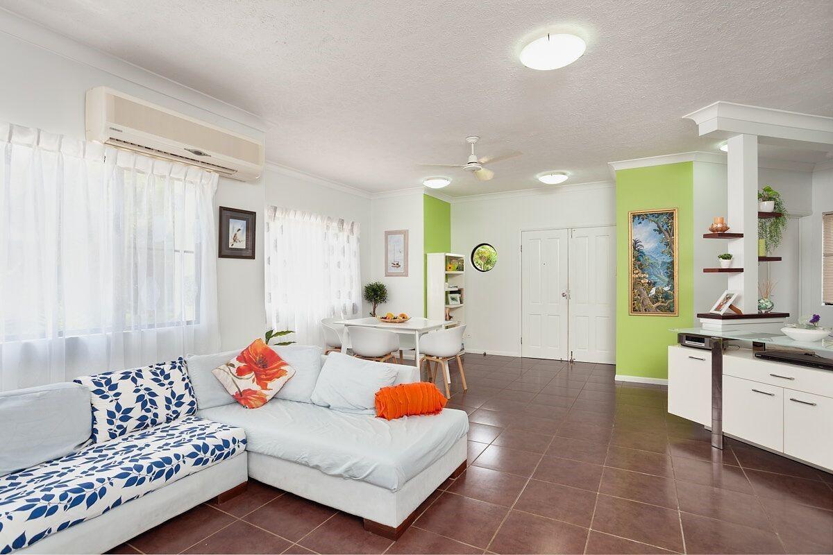 Unit 1 14 Altmann Avenue (Tides on Whisper), Cannonvale QLD 4802, Image 2
