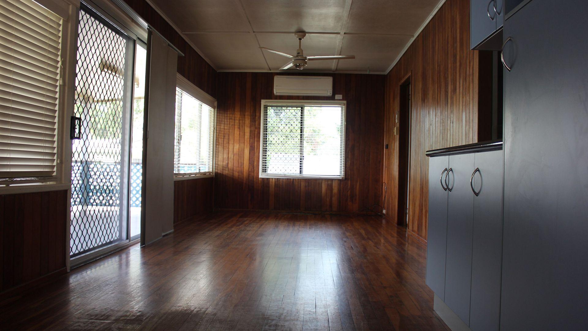 39 Walz Avenue, McEwens Beach QLD 4740, Image 2