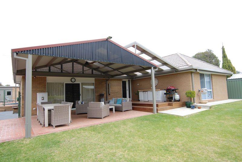 211 BURCHFIELD AVENUE, Deniliquin NSW 2710, Image 0