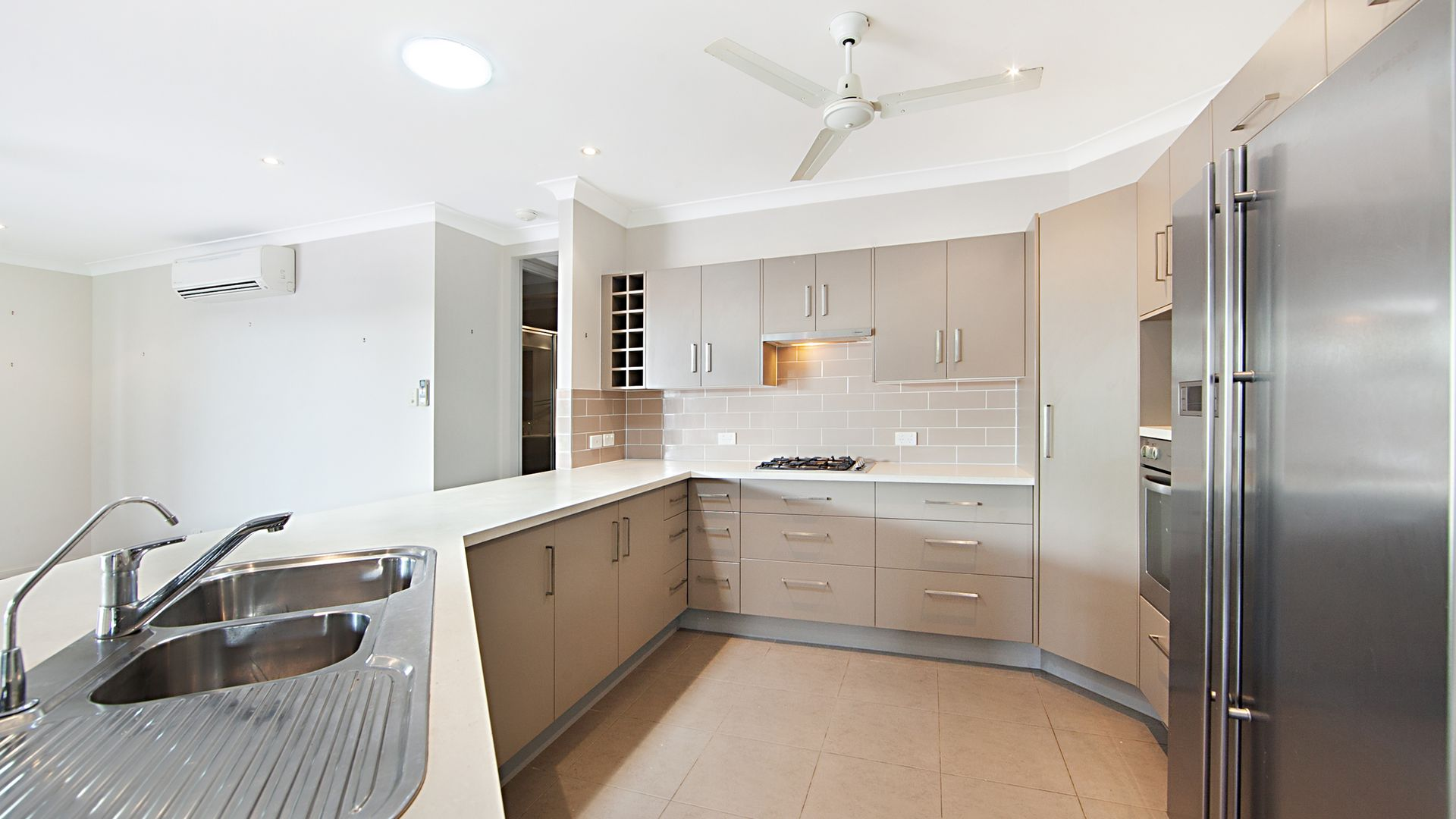 9 Helvellyn Street, Bushland Beach QLD 4818, Image 2