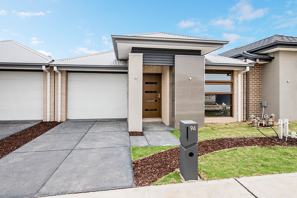94 Glenrose  Boulevard, Clyde North VIC 3978, Image 0